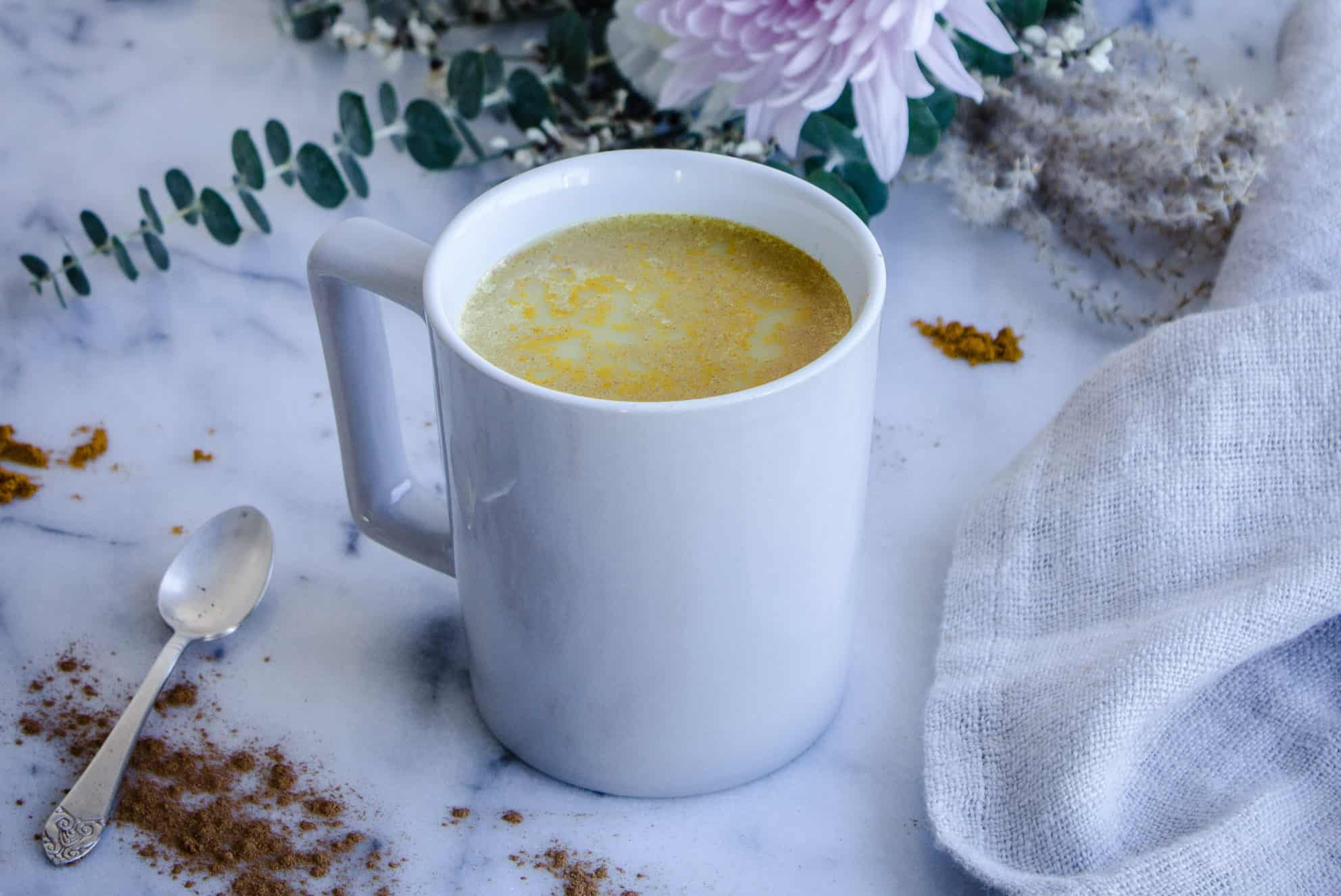 Golden Turmeric Latte (vegan & gf)