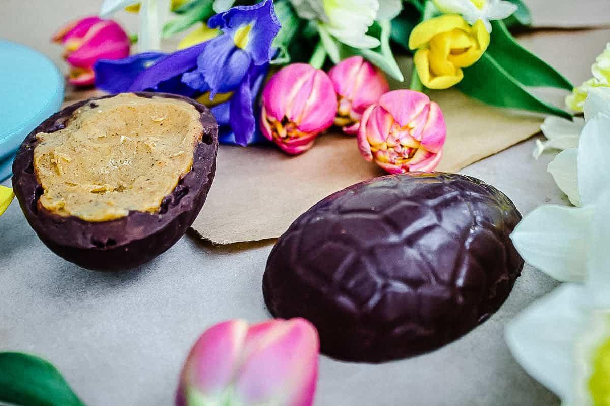 Vanilla Almond Caramel Easter Eggs (vegan + gf)
